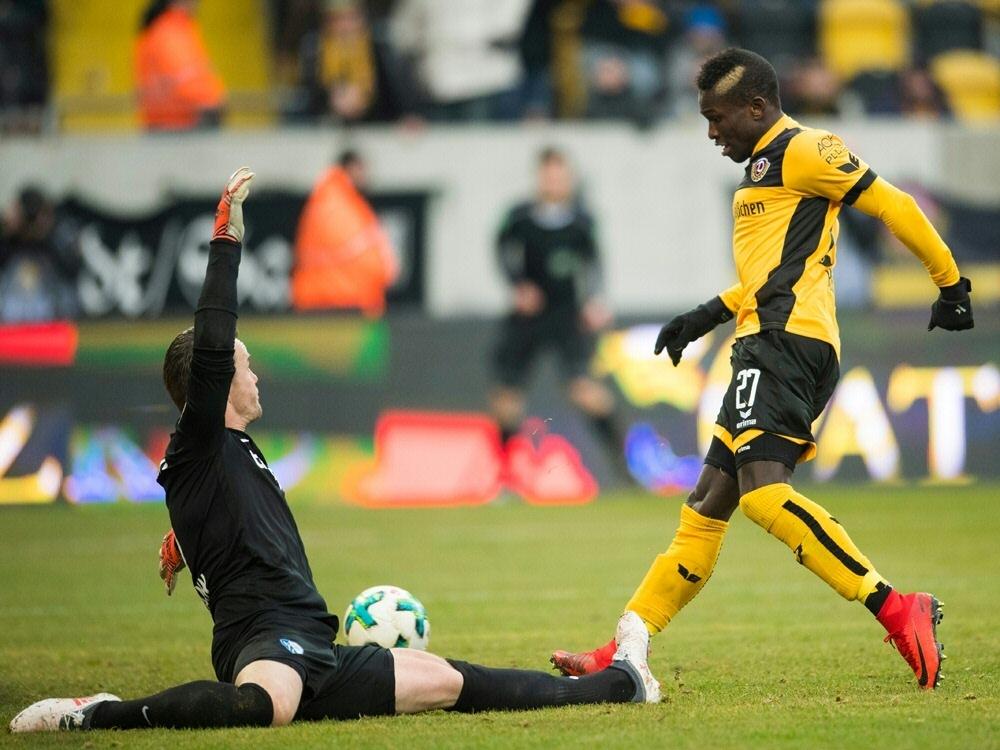 Moussa Kone erzielt für Dresden einen Dreierpack