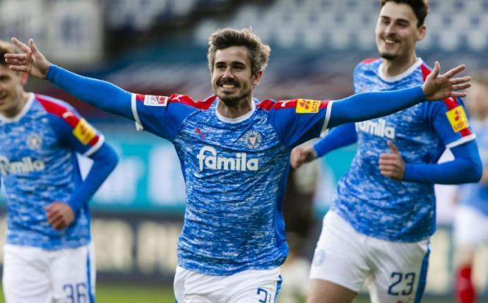 Holstein Kiel Gegen St. Pauli