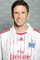 Warf sich zur Entscheidung in eine van der Vaart-Flanke: Bastian Reinhardt