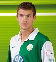 Dank einer starken Rückserie mit Wolfsburg noch im Uefa-Cup-Rennen: Edin Dzeko