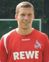 Ließ drei brandgefährliche Schüsse ab: Lukas Podolski